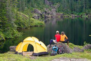 Disfruta de los placeres de la naturaleza yendo de camping